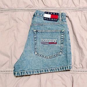 Vintage Women's Tommy Hilfiger Denim Shorts 26 2